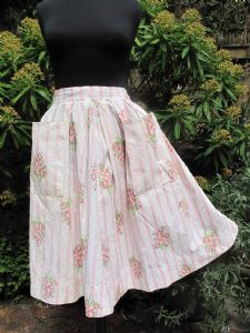 1950's Pretty pleated cotton skirt